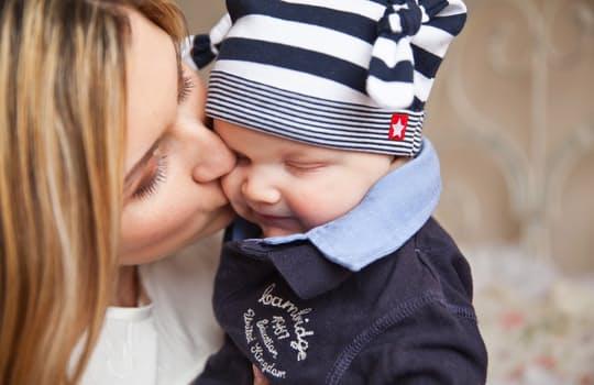 zalety niemowlęcych nosidełek